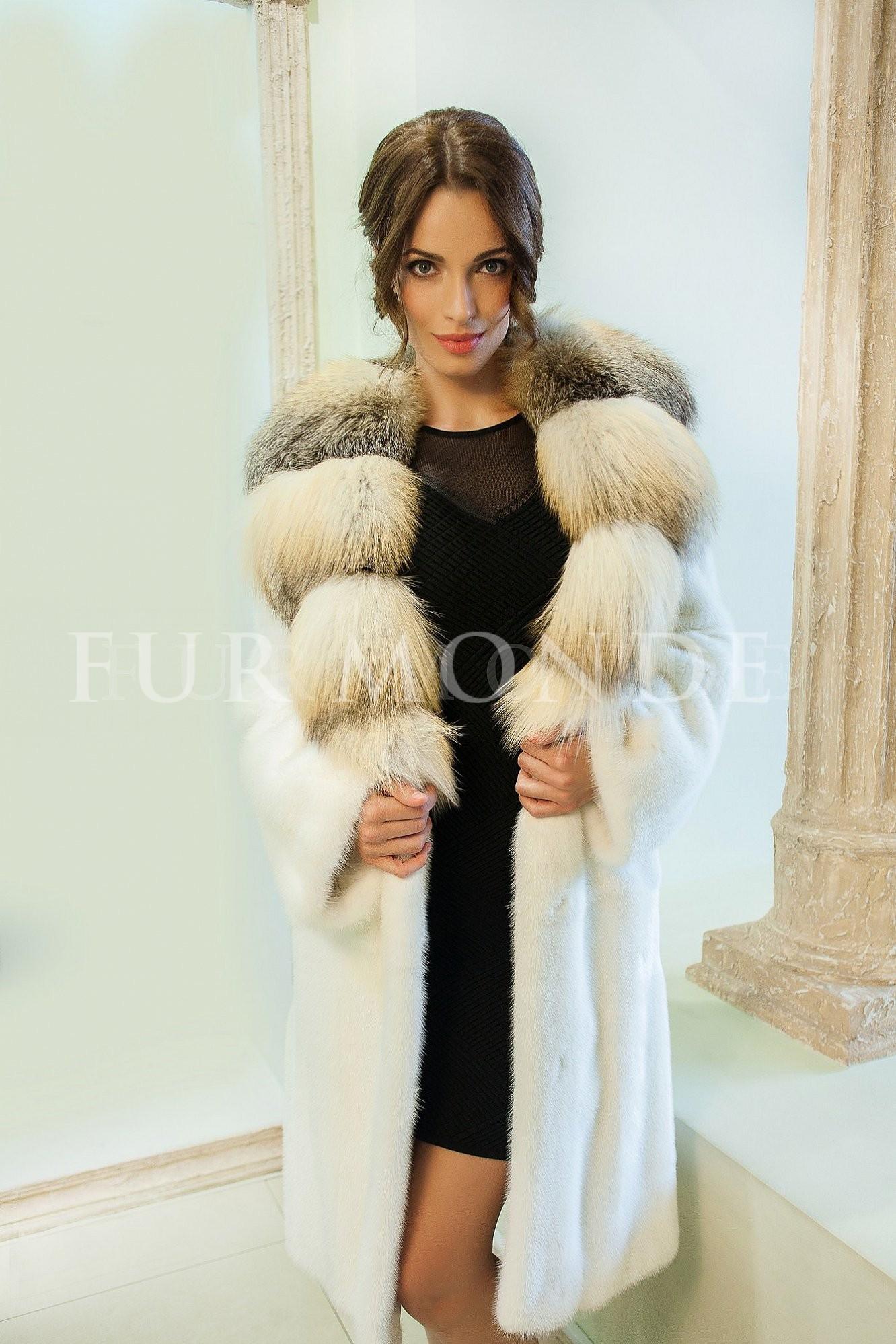 Норковая шуба SAGA furs с воротником из лисы 12524