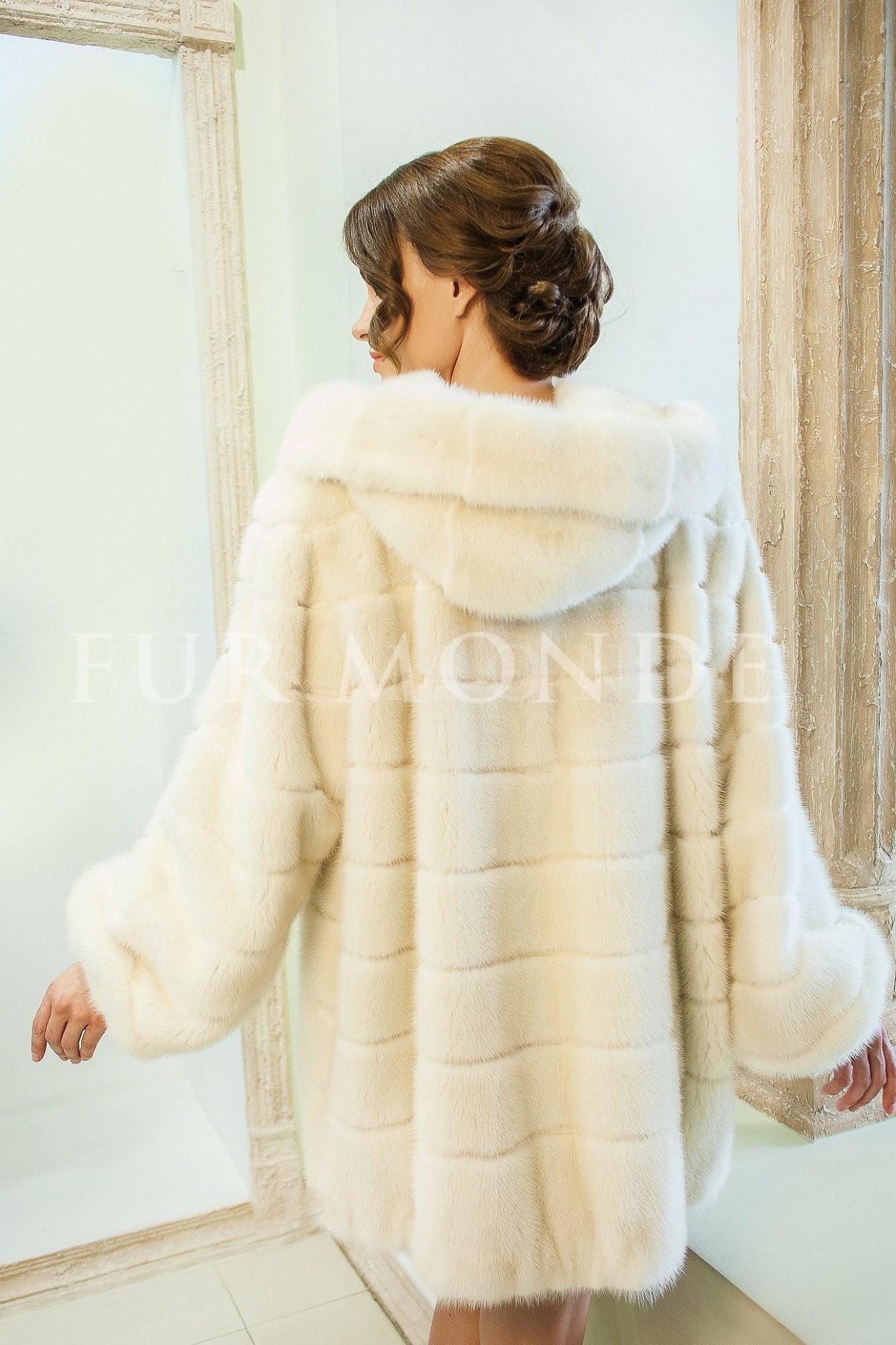 Норковая шуба SAGA furs с капюшоном 13769