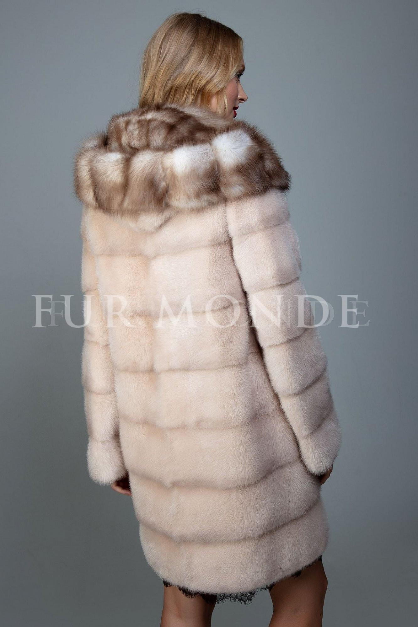 Норковая шуба 90 см с капюшоном из куницы 1112, поперечный крой