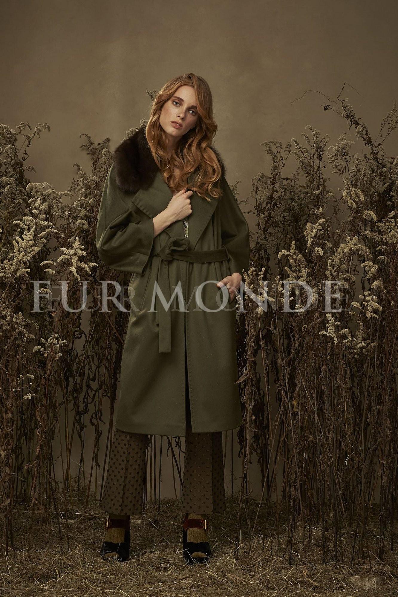 Кашемировое пальто с воротом из меха куницы 340331
