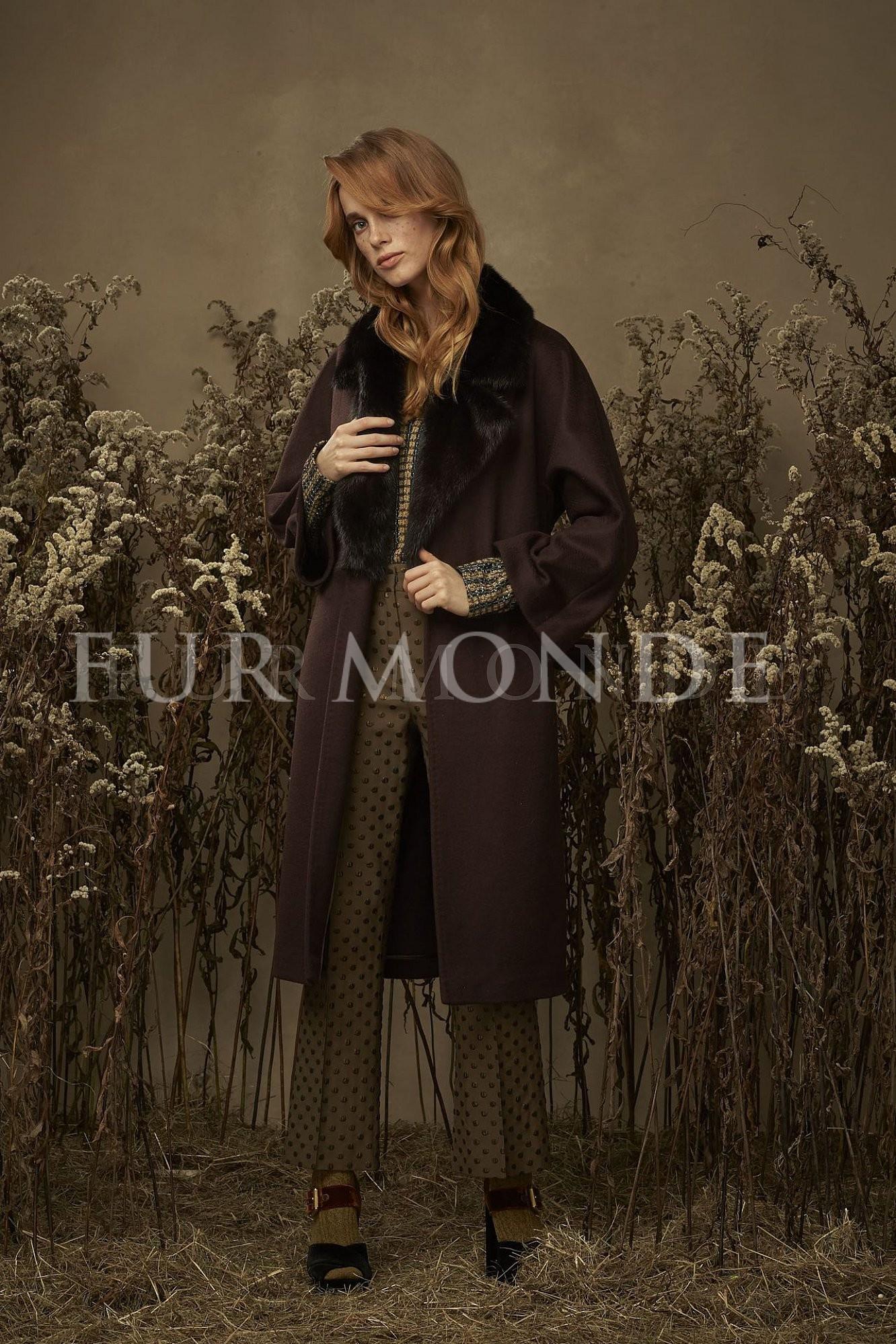 Кашемировое пальто с воротом из меха норки 340701