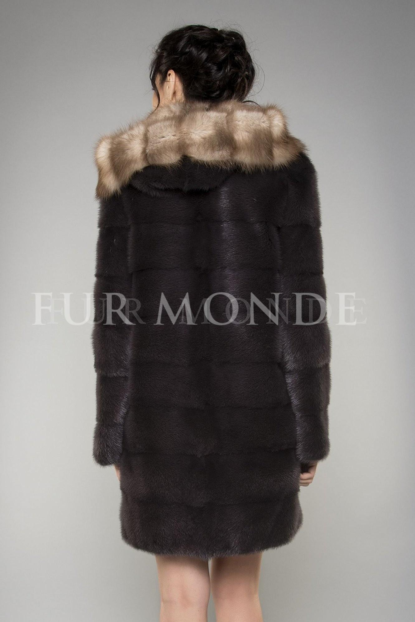 Норковая шуба с капюшоном из куницы темно-коричневая 1061