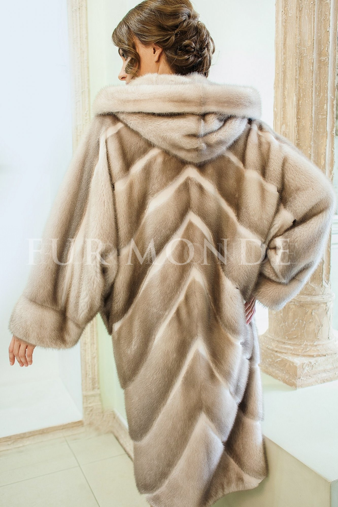 Норковая шуба с капюшоном SAGA furs 13568