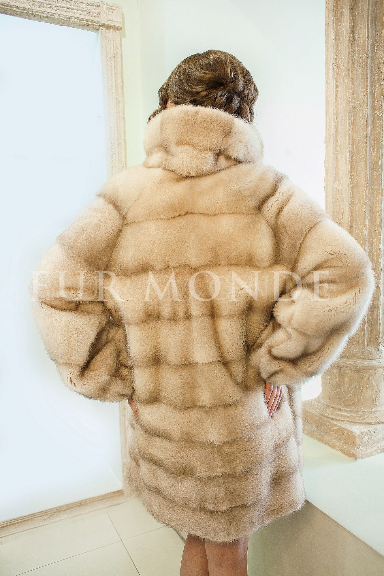 Норковая шуба SAGA furs 13798